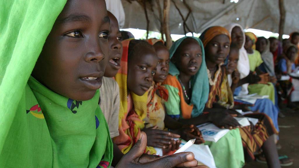 Här är några tjejer i skolan i Centralafrikanska republiken.