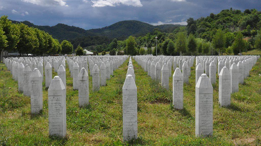 Minnesplatsen för offren i Srebrenica.