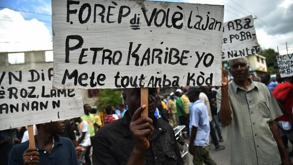 Demonstranter i Haiti