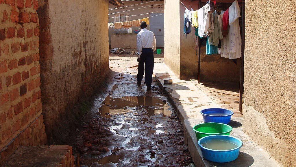 Tvättning av kläder på gatan.