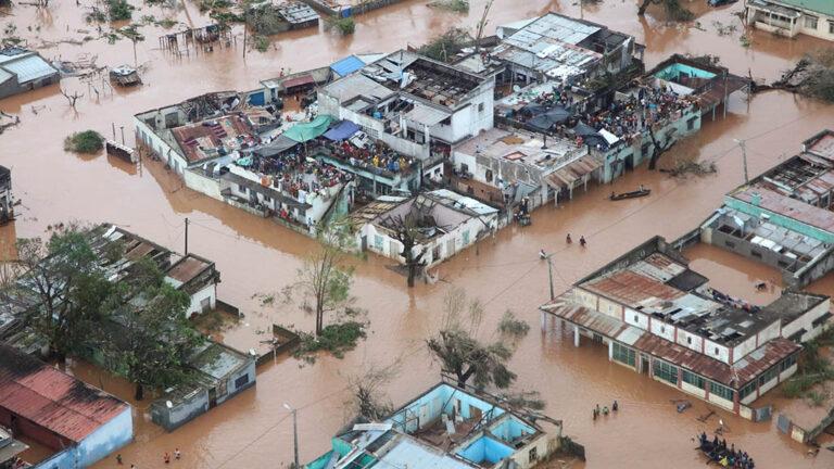 Översvämningar efter cyklonen Idai i Moçambique