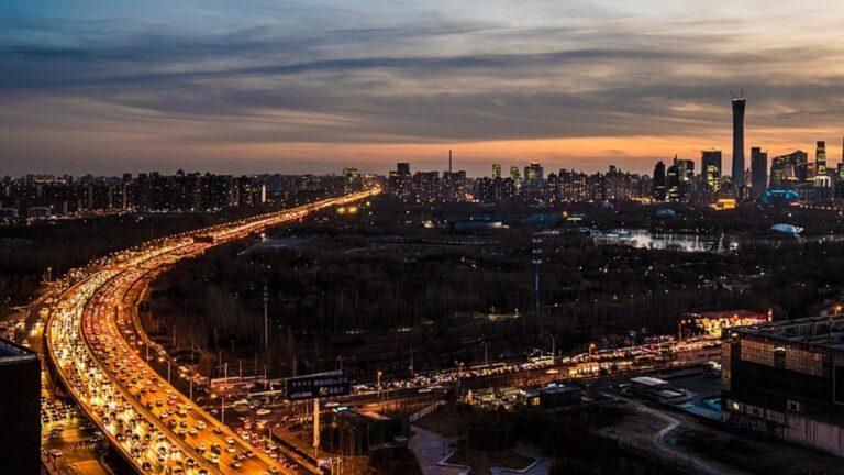Trots nya löften om satsningar inom förnybara bränslen utökar Kina fortfarande sin kolindustri. Foto av Picrazy2